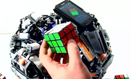 Lego Records Snelste Robot Die Een Rubiks Cube Oplost